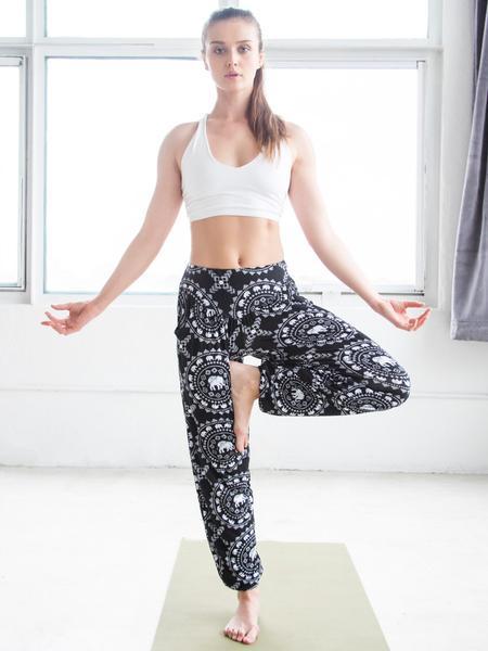 TEP_Lifestyle_Yoga_TaruBlack_2_grande
