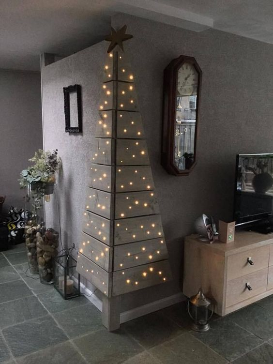 christmas_wall_tree